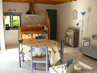 Romantic 1 bedroom Honfleur House with Short Breaks Allowed - Honfleur vacation rentals