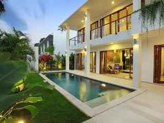 Moonlight Villas, complex of four 3 br villas, Nus - Nusa Dua vacation rentals