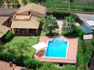 Beautiful villa with pool 05 3b - Altavilla Milicia vacation rentals