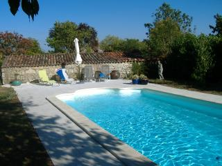 Comfortable 2 bedroom Coivert Gite with Internet Access - Coivert vacation rentals