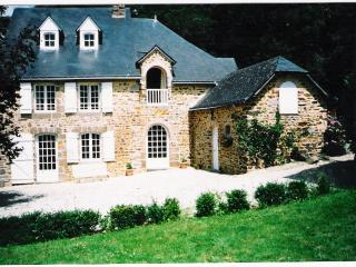 Lovely Farmhouse Barn with Satellite Or Cable TV and Microwave - Chailland vacation rentals