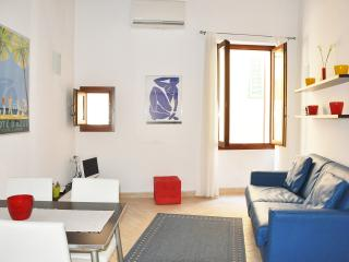 Oceano - Main Street Old Town - Alghero vacation rentals