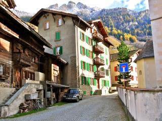 Grosshus Vals – holiday flat at the village square - Vals vacation rentals