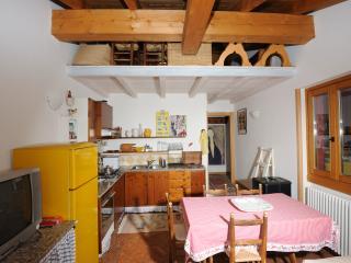 Comfortable 1 bedroom Cottage in Gravedona - Gravedona vacation rentals