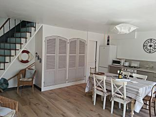 Cozy 3 bedroom House in Courseulles-sur-Mer - Courseulles-sur-Mer vacation rentals