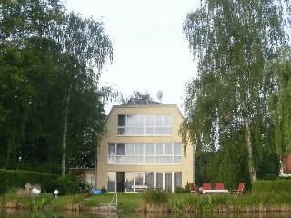Drei am Zemminsee, Whg OG - Schwerin vacation rentals
