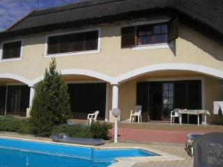 Appartamento in Villa Rosita, Revfulop - Balatonfured vacation rentals