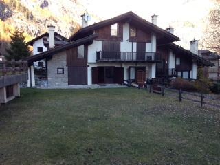 Appartament Dolonne Courmayeur - Courmayeur vacation rentals