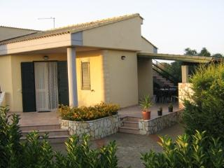 Wonderful 2 bedroom Villa in Campofelice di Roccella - Campofelice di Roccella vacation rentals
