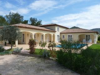 French Riviera Villa Rocbaron Heated Pool - Rocbaron vacation rentals