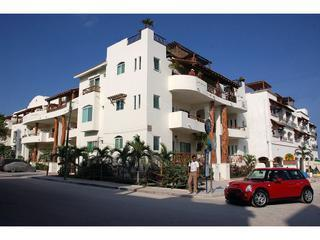 Spotlessly Clean Central 2 Bedroom Penthouse - Playa del Carmen vacation rentals