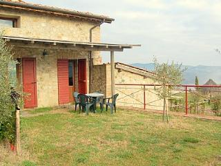Gorgeous 1 bedroom Casal di Pari House with Deck - Casal di Pari vacation rentals