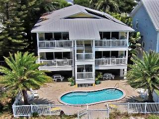 Nice Condo with Deck and Internet Access - Redington Shores vacation rentals