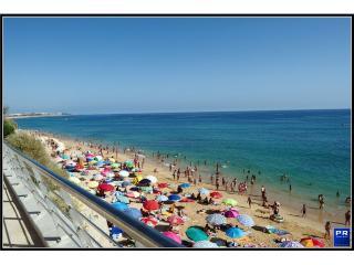 Super Large Studio 3 min to the beach / LT7 2A - Armação de Pêra vacation rentals