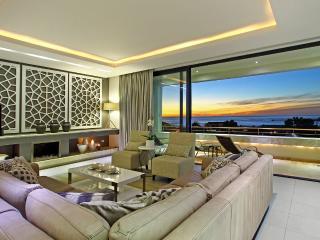 Spacious Luxury Camps Bay Villa – Geneva Gem - Camps Bay vacation rentals