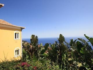 013-Contemporary 1 bedroom - Funchal vacation rentals