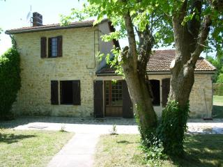 2 bedroom House with Satellite Or Cable TV in Lesparre-Medoc - Lesparre-Medoc vacation rentals