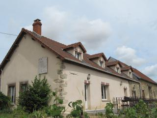 Adorable 5 bedroom Champaubert Gite with Internet Access - Champaubert vacation rentals