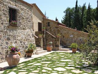 Charming 5 bedroom Cottage in Cetona - Cetona vacation rentals