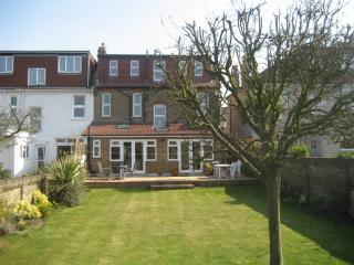 Beechhill House: Beautiful Edwardian house with 5 bedrooms and garden in South East London - London vacation rentals