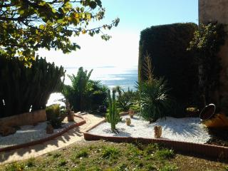 Nice Condo with Internet Access and A/C - Le Rayol-Canadel vacation rentals