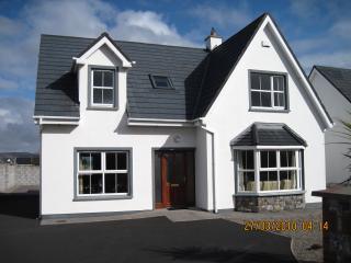 4 bedroom House with Satellite Or Cable TV in Ballybunion - Ballybunion vacation rentals