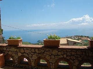 Nice 3 bedroom House in Sant'Agata sui Due Golfi - Sant'Agata sui Due Golfi vacation rentals