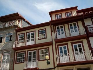 2 bedroom Apartment with Internet Access in Guimaraes - Guimaraes vacation rentals
