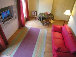 Nice 1 bedroom Condo in Asnieres-sur-Seine - Asnieres-sur-Seine vacation rentals