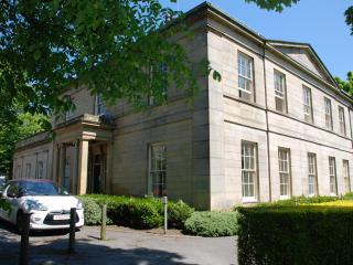 Buckingham house - Leeds vacation rentals