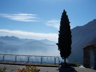 Antico Oleificio - 2 bedrooms 4/6 sleeps lakefront - Riva di Solto vacation rentals