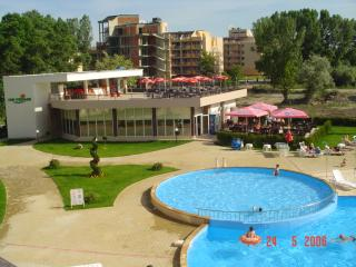 2 bedroom Condo with A/C in Sunny Beach - Sunny Beach vacation rentals