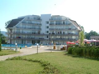 Cozy 2 bedroom Sunny Beach Condo with Toaster - Sunny Beach vacation rentals