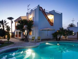 Villa Mali, Ibiza Town - Pool, Air-con, Wifi, Bbq - Ibiza Town vacation rentals
