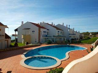 Gorgeous 2 bedroom Apartment in Sao Martinho do Porto - Sao Martinho do Porto vacation rentals