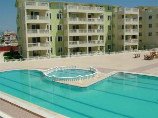 Bright 2 bedroom Altinkum Condo with Internet Access - Altinkum vacation rentals