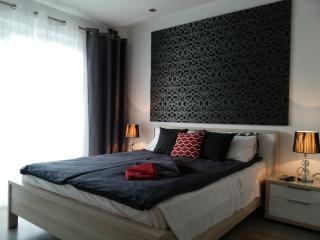 2 bedroom Modern Apartment - Qawra vacation rentals