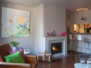 Nice Condo with Internet Access and Television - Honfleur vacation rentals