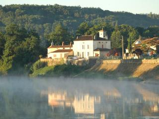 Le Bourg Sud, River Dordogne, Flaujagues, Gironde - Flaujagues vacation rentals