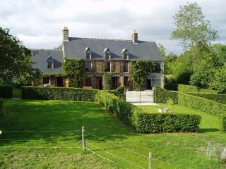 Comfortable 2 bedroom Farmhouse Barn in Flers with Satellite Or Cable TV - Flers vacation rentals