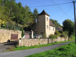 Lovely House with Satellite Or Cable TV and Outdoor Dining Area - Siorac-en-Périgord vacation rentals