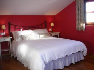 3 bedroom Cottage with Towels Provided in Llanes - Llanes vacation rentals