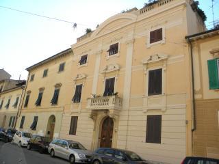 Nice 1 bedroom Penthouse in Livorno - Livorno vacation rentals