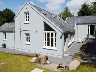 2 bedroom Farmhouse Barn with Internet Access in Ballydehob - Ballydehob vacation rentals