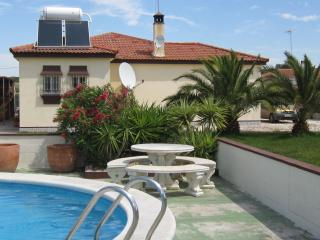 Beautiful 2 bedroom Villa in Chiclana de la Frontera - Chiclana de la Frontera vacation rentals