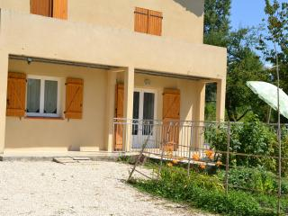 Cozy 2 bedroom Eymeux Gite with Internet Access - Eymeux vacation rentals