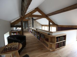 Beautiful 5 bedroom Barn in Dolanog - Dolanog vacation rentals