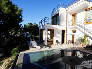 6 bedroom Villa with Internet Access in Altavilla Milicia - Altavilla Milicia vacation rentals