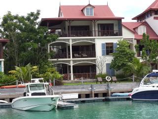 Eden Island Marina Penthouse (165m2)  - P26A21 - Eden Island vacation rentals