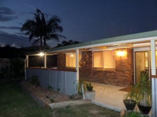 Ginger Cottage. Self contained, near surf beach. - Scotts Head vacation rentals